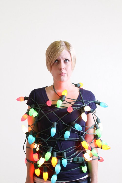 Woman_tangled_Christmas